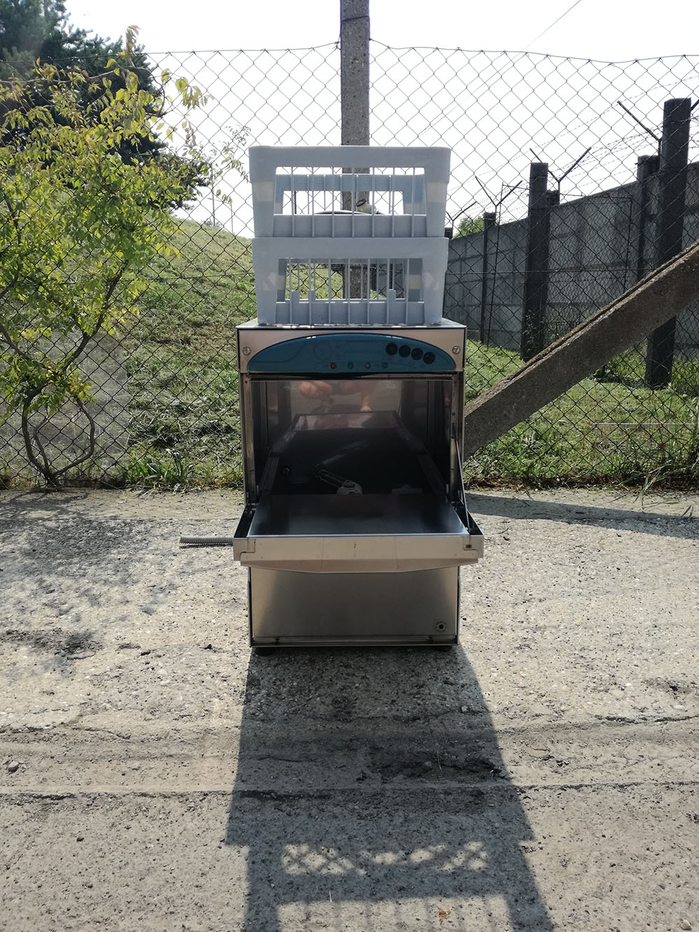 Aristarco pohármosogató gép, öblítőszer adagolóval, gravitációs ürítéssel