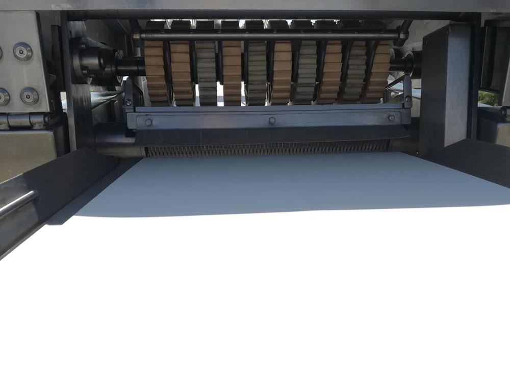 MAJA VBA 500A álló bőrkéző, bőrözö gép