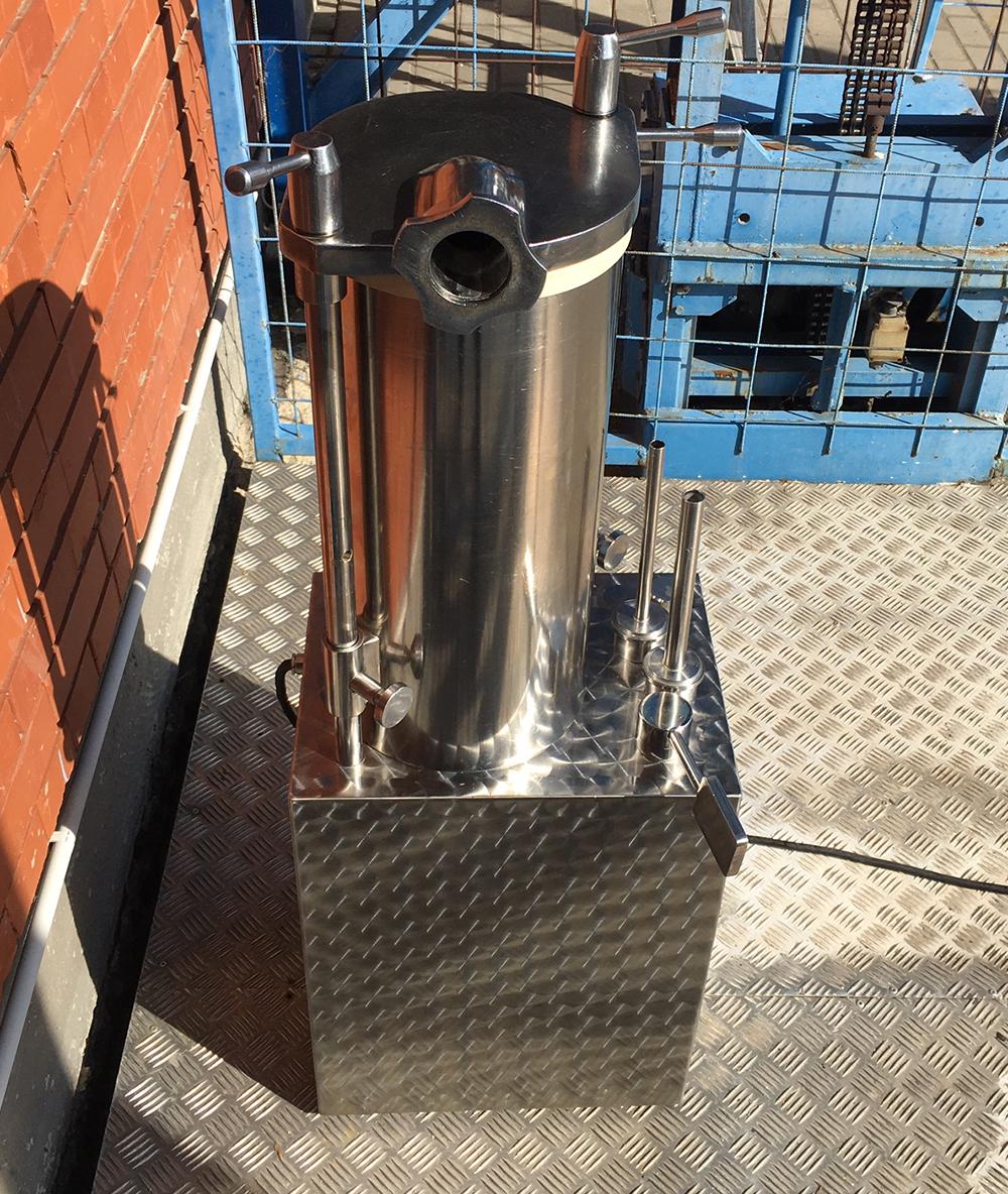 DEBOTEC E 20 Prémium kategóriás hidraulikus töltőgép, kolbásztöltő, hurkatöltő 20 literes