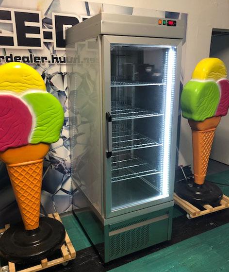 TEKNA üvegajtós hűtő 650 literes